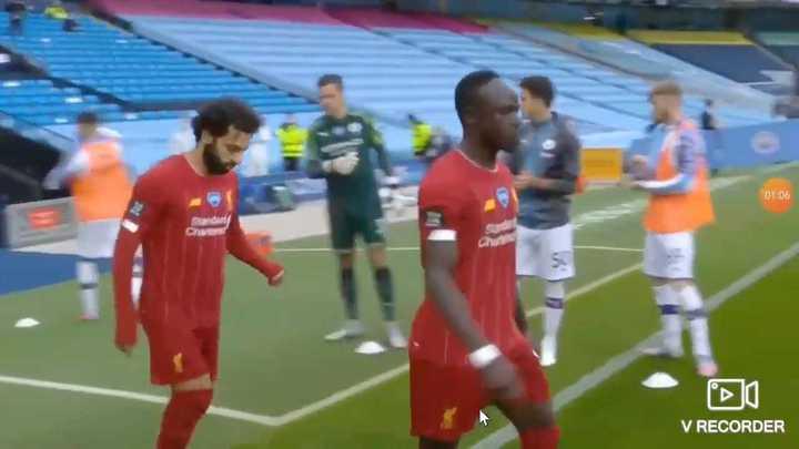 El aplauso de Pep y los jugadores del City al Liverpool