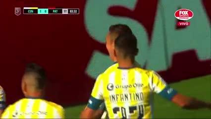Marco Rubén marcó el 1-0 para Central