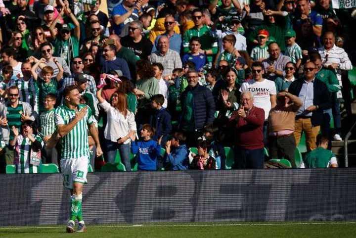 Con 38 años, Joaquín (Betis) clavó un hattrick en 18 minutos