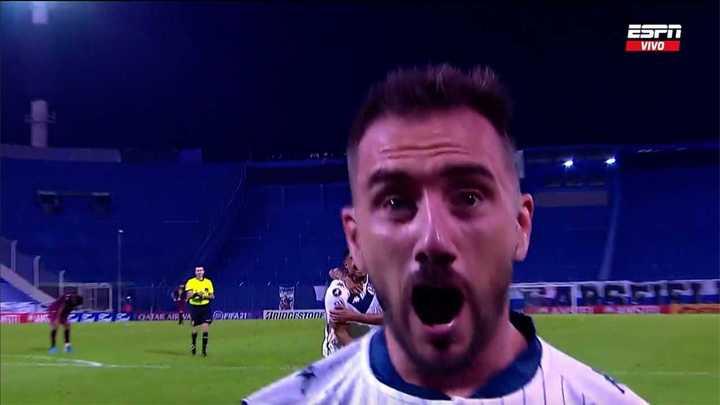Insólito gol de Vélez