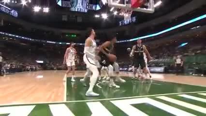 Las mejores cinco jugadas del Juego 6 entre Bucks y Nets por la semi del Este en la NBA