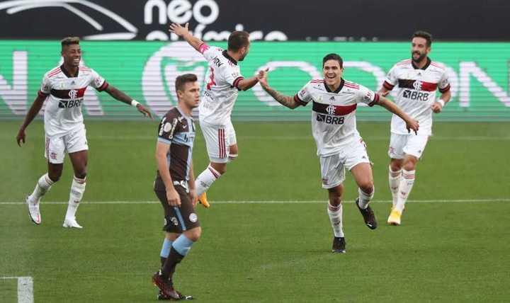 La paliza del Flamengo a Corinthians
