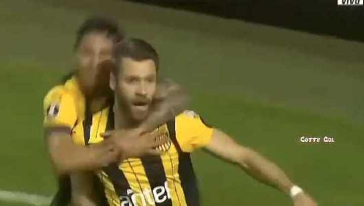 Peñarol le ganó 3 a 0 a Colo Colo