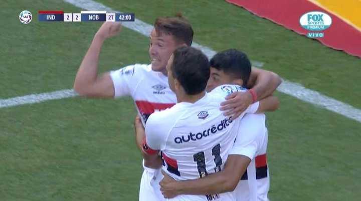 Maxi Rodríguez dio vuelta el partido