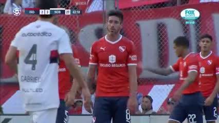 El lamento de Pablo Pérez tras el gol de Newell's