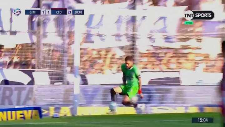 Cavallotti evitó el gol de Mussis