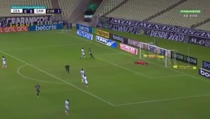 Mala salida del Mineiro y gol de Ceará