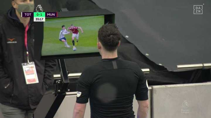 El gol que el VAR le anuló a Cavani