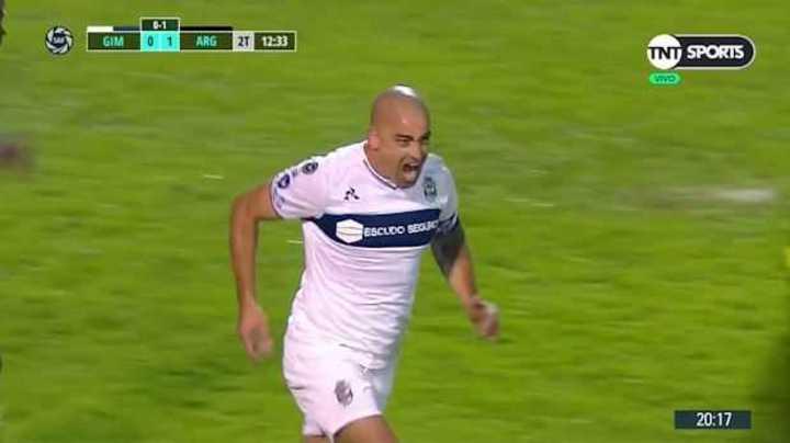Silva lo empató para el Lobo