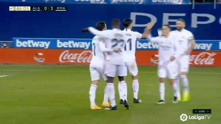 Real Madrid le ganó 4 a 1 a Alavés