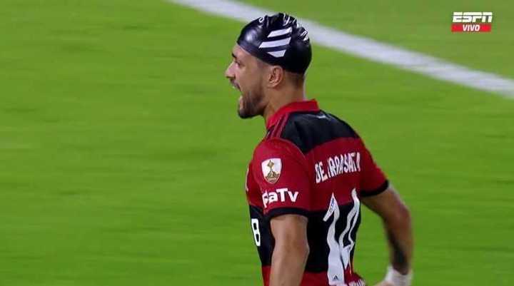 Golazo de Flamengo para el 3-2