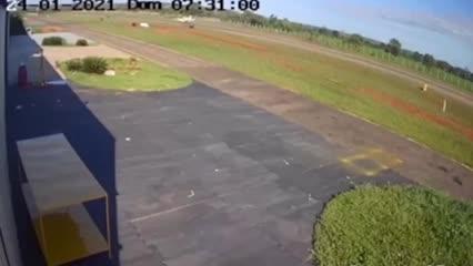El video del avión que trasladaba a los futbolistas brasileños momentos antes del accidente