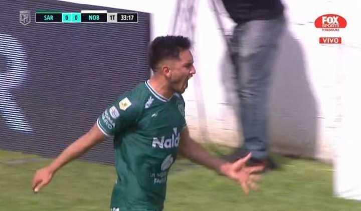 Torres abrió la cuenta para Sarmiento