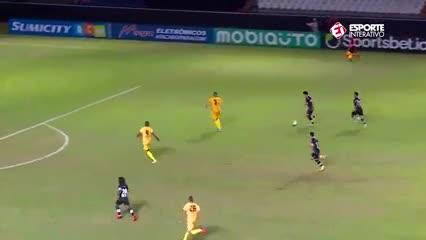 Gol en offside y réplica veloz