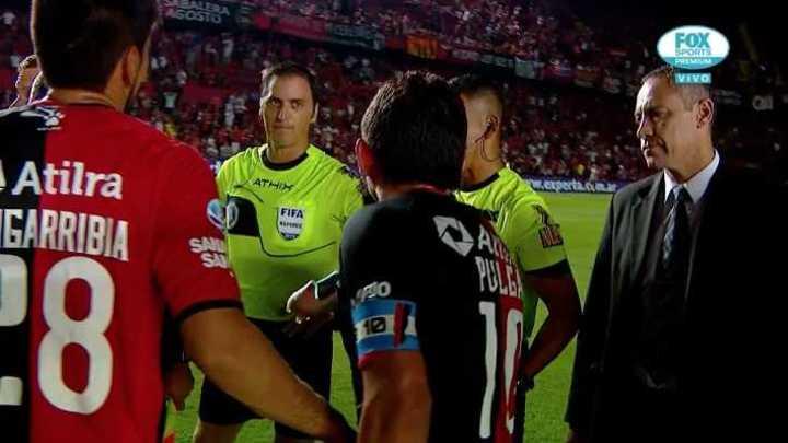 Pulga Rodríguez le mostró el botín roto a Vigliano
