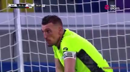 Domínguez casi empata el partido