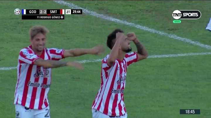 Golazo de Droopy Gómez para el empate Tucumano