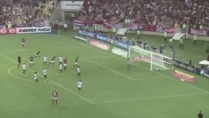 Los dos goles de Flamengo