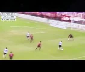 La Gata y su doblete ante Independiente jugando para Racing