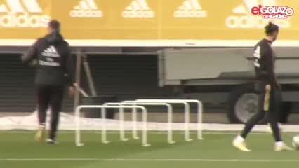 "Bale ""jugó"" al golf"