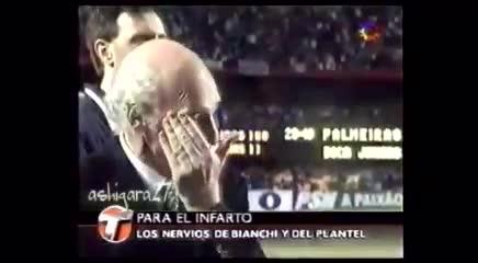 Bianchi, abrazo con Traverso y ninguneo a Macri