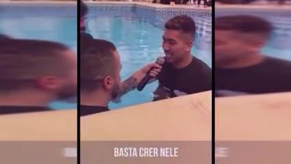 El momento del bautismo de Firmino.