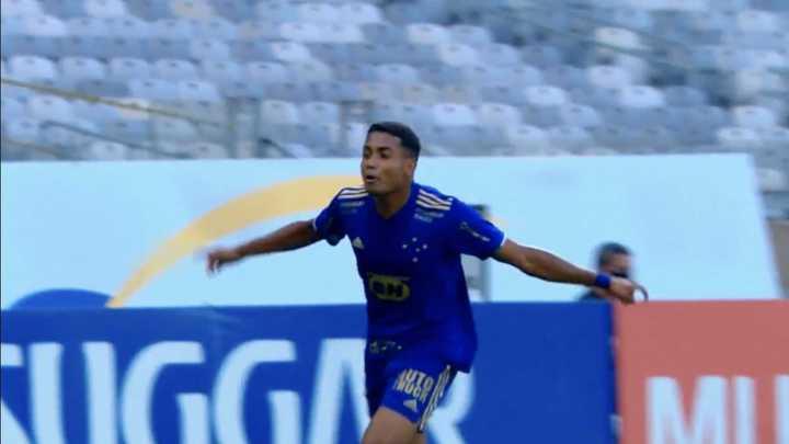 El gol de Cruzeiro en el clásico