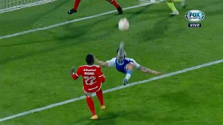 Con un doblete de Zampedri, Católica le ganó al Inter del Chacho