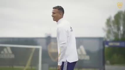 Boca se entrena pensando en Vélez