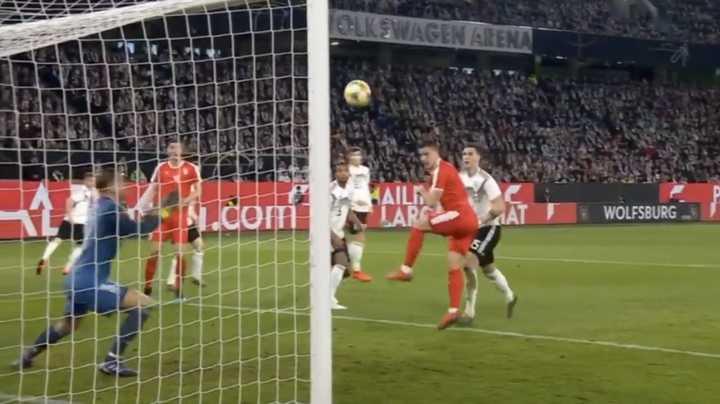 Gol de Luka Jović a Alemania