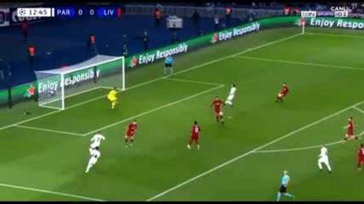 Bernat rompió el cero para el PSG