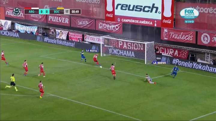 Quintana le sacó el gol a Benedetto