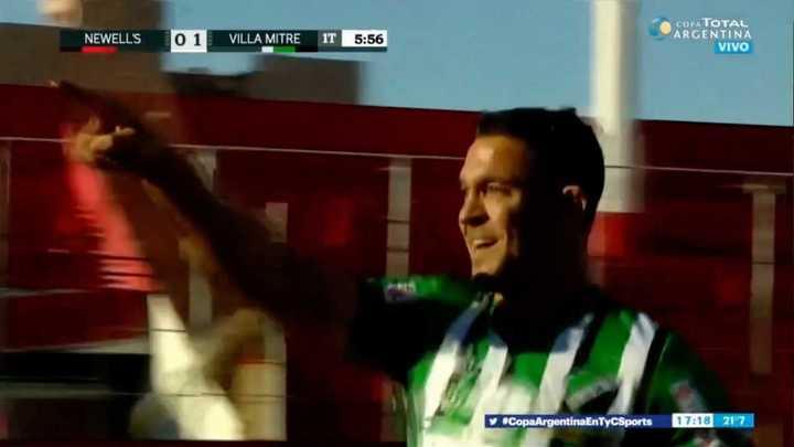 Herrera puso en ventaja a Villa Mitre