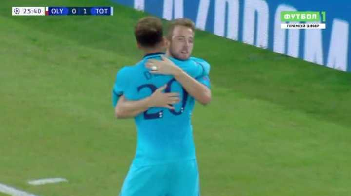 De penal , Kane marcó el primero del Tottenham