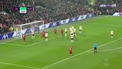 Van Dijk puso el primero de Liverpool