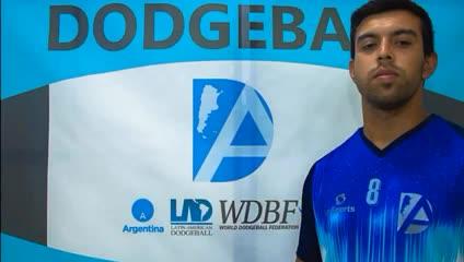 La presentación del equipo masculino de dodgeball.