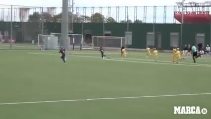 El gol de Thiago Messi en las infantiles del Barcelona