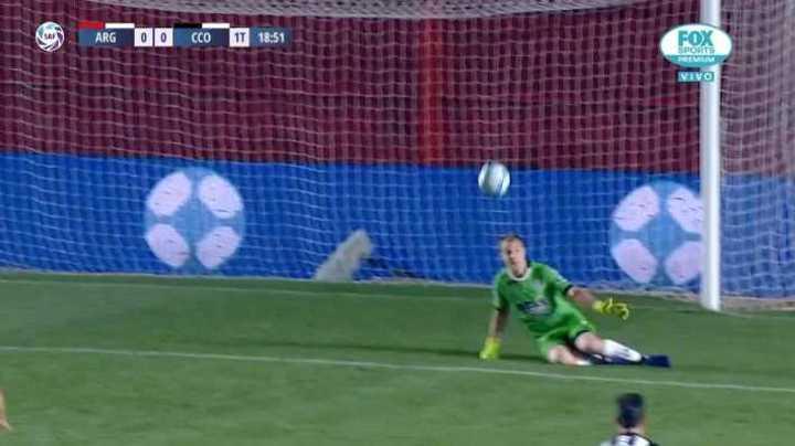 Ruso Rodríguez le tapó el remate a Silva