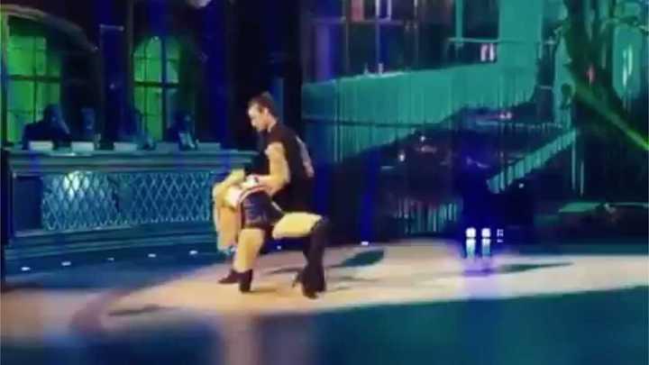 Osvaldo en el Bailando de Italia