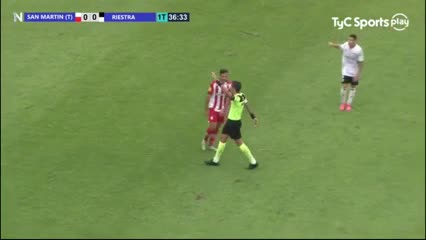Gol anulado a Riestra