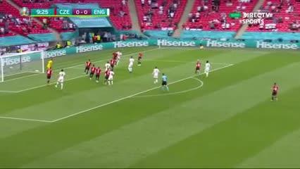 16.09  en Inglaterra vs. Checa en Wembley