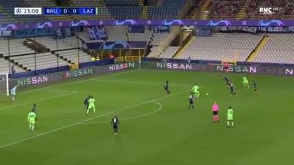 Correa metió un lindo gol para Lazio