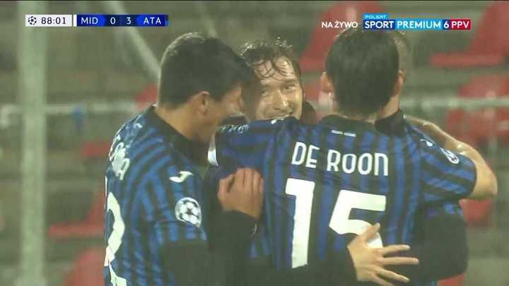 Atalanta goleó 4 a 0 a midtjylland