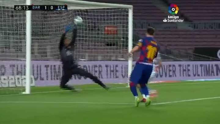 Tapadón de López a Messi