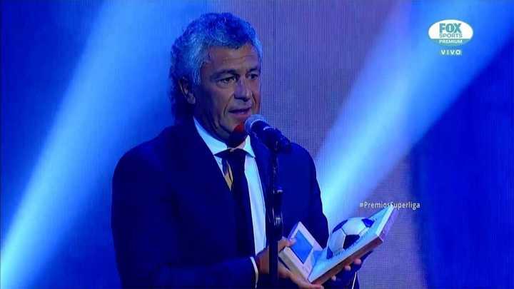 Pipo Gorosito, el mejor entrenador de la Copa Superliga