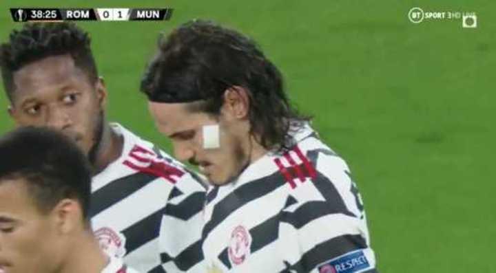 Cavani puso en ventaja al Manchester United