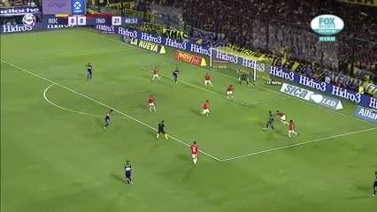 Salvio se armó una jugada excelente y estuvo cerca de marcar un golazo