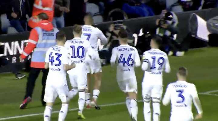El Leeds de Bielsa le ganó 2-1 al Queens Park Rangers