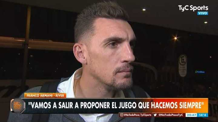 Armani habló en el arribo a Curitiba