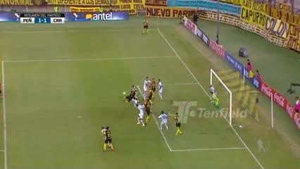 Lo mejor del debut oficial de Diego Forlán como DT